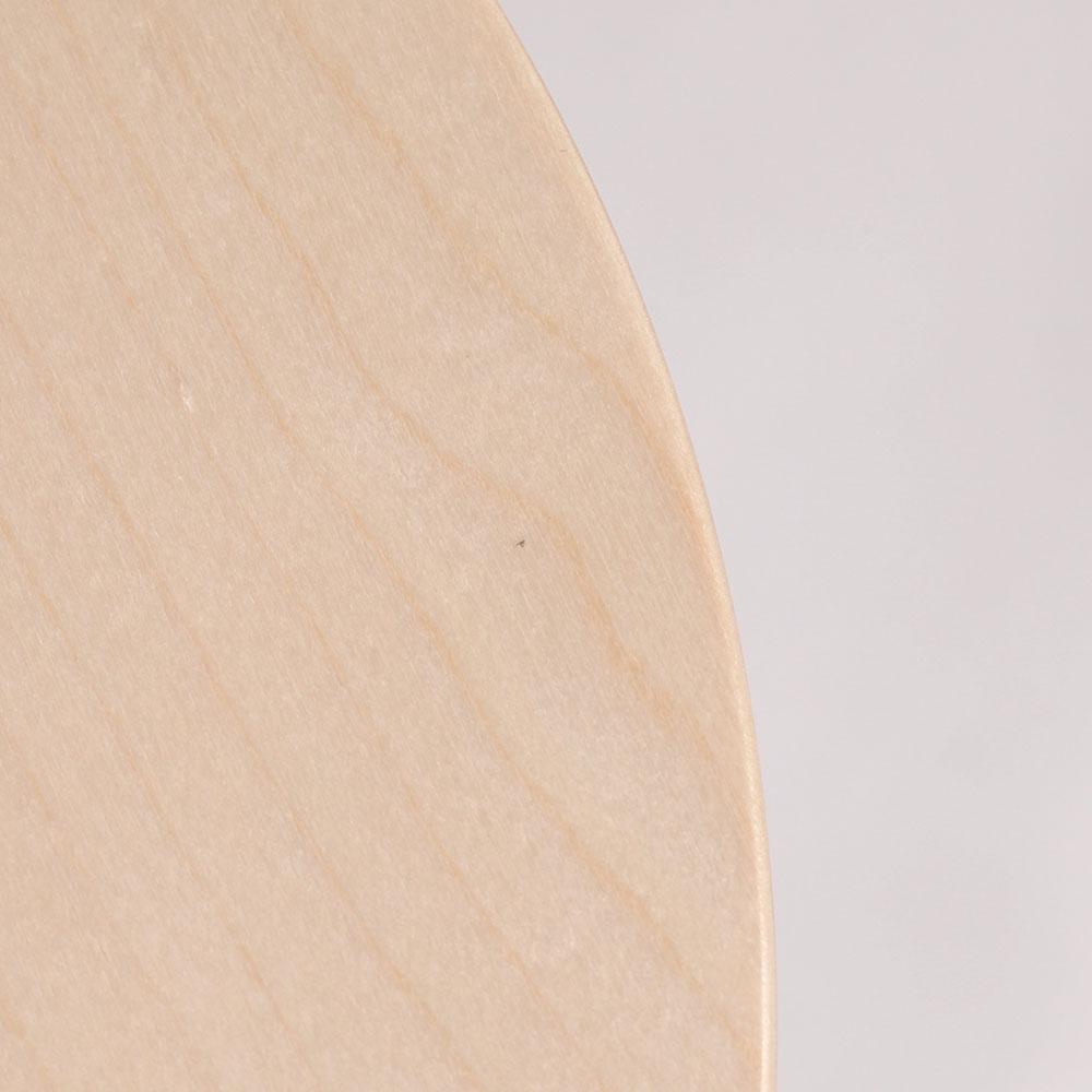 0218 / 座面の端に極細の繊維の混入があります。膨らみも感じないほどで、目立つものではありません。